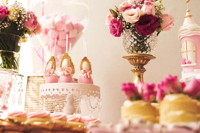 "<img src=""princessparty.jpg"" alt=""A pink princess party Loci Photography"">"