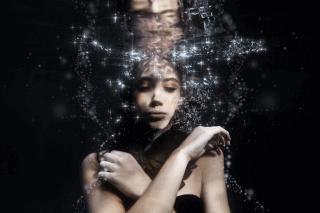Underwater photography image taken of model Elsa Hansen of Boss Models, by Yolandi Jacobsz of Loci Photography
