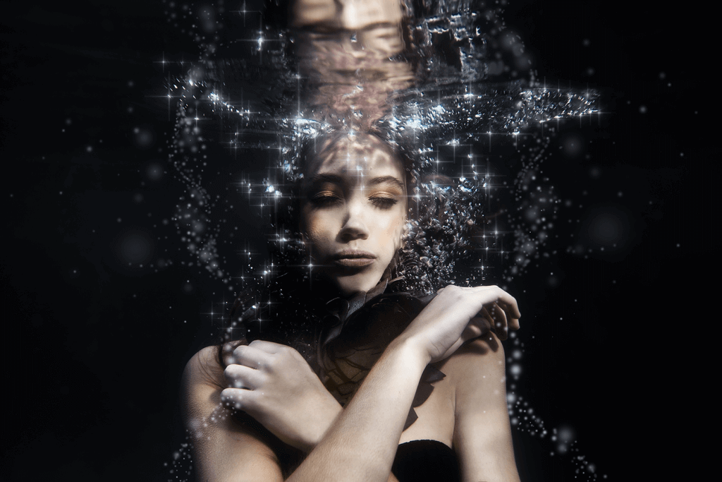 Underwater photography image taken of model Elsa Hansen of Boss Models, by Yolandi Jacobsz of Loci Photography
