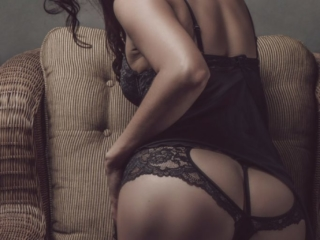 An example of stunning boudoirs done in studio, professionally by Loci Photography.