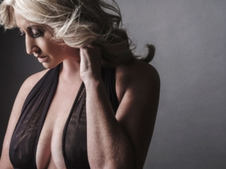 An example of boudoir photography done professionally by Loci Photography