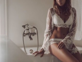 An example of gorgeous boudoir photography done on location in Midrand, by Loci Photography.