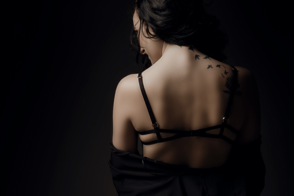 Gorgeous back shot during a boudoir photoshoot done at the Loci Photography studio.