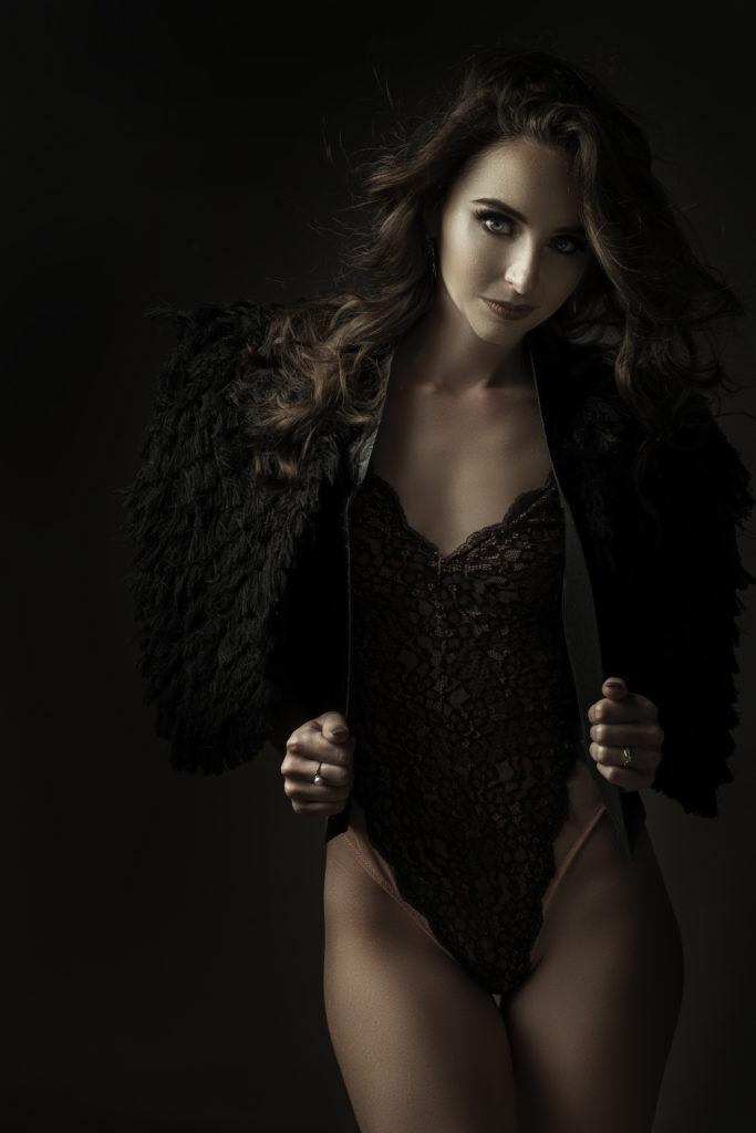 The short Nicolassi fringe coat being used for a Loci Photography boudoir shoot.