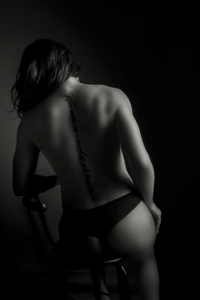 A gorgeous back shot during a Loci Photography boudoir shoot.