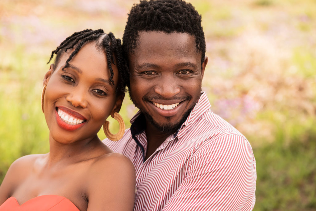 Image of smiling couples during a family photoshoot in Hartbeespoort by Loci Photography