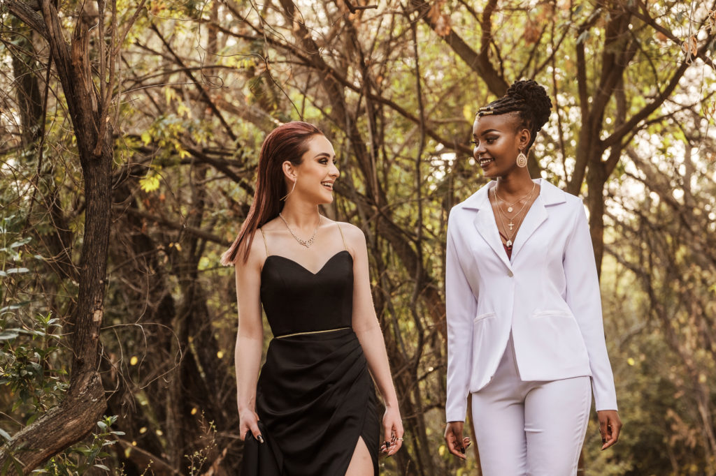 Image of Professional matric dance image of two ladies done on location in Pretoria at the Pretoria Botanical Gardens by photographer Yolandi Jacobsz of Loci Photography
