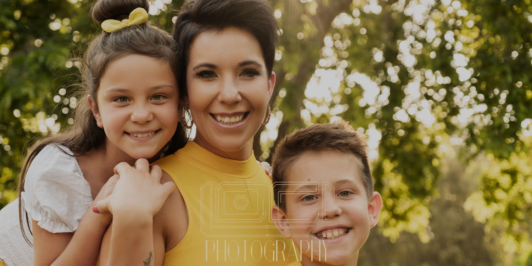 Image of family photography done at the Pretoria Botanical Gardens done by photographer Yolandi Jacobsz of Loci Photography